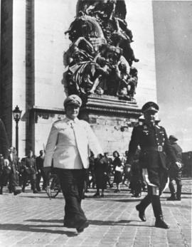 Goering in Paris before the Arc de Triomphe