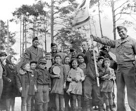 [Germany]: UNRRA / 1374 : Wolfratausen, Germany, Jewish children at the Wolfrathausen, Germany, U...