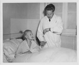 CNRRA 33. Tuberculosis patient Frau Cecilia Bass, age 76, came from Vienna in 1939