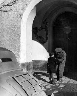 [Germany] : UNRRA 3111 -- Kloster Indersdorf, Germany Peter and Andre arrive at the UNRRA Team 18...